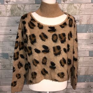 Bebe animal print crop sweater size small
